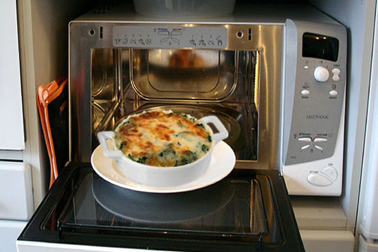 Difference In Usage Of Microwave And Conventional Oven